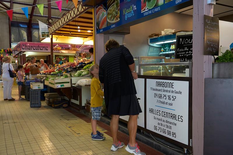 Shopping indoor market Narbonne