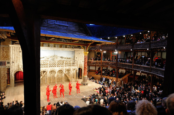 London - Shakespeare Theatre, Buckingham Palace, Kensington Palace