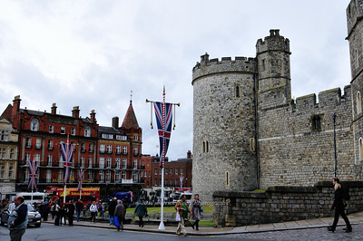 Windsor Castle outer wall and Windsor town