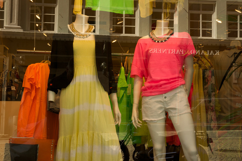 Fashion Choices, Bergen