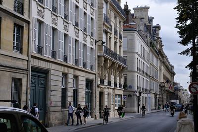 Walking through the streets of Paris