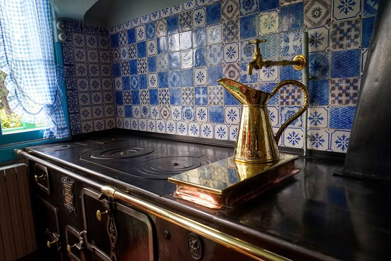 Stove Monet's Kitchen