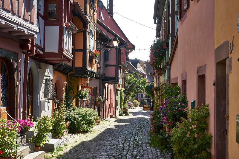 Twisty street eguisheim