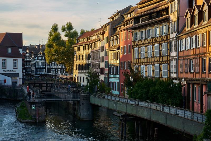 Homes near lock Strasbourg