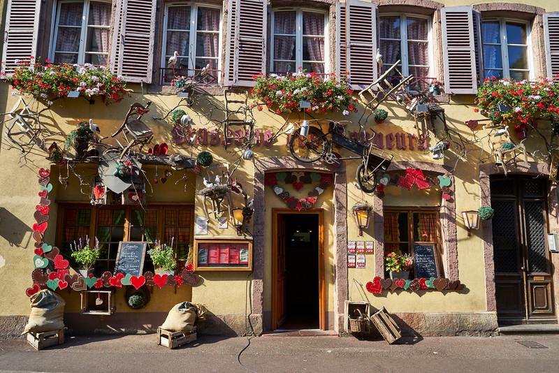 Busy storefront Petit Venice, Colmar