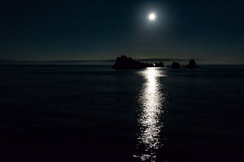Moon over Devil's Crown