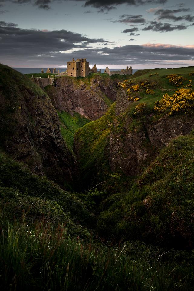 Dunnottar Castle Gully