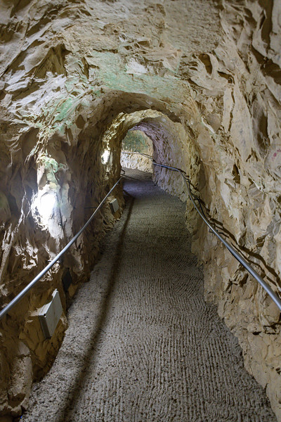 Passage through the cliffs