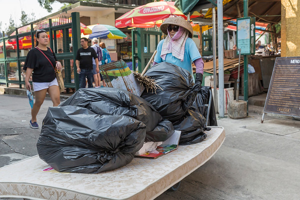 Keeping the streets of Tai O clean