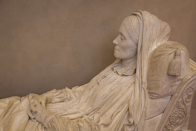 RECLINED WOMAN PLASTER CAST