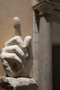 Constantine's Colossal statue : right hand