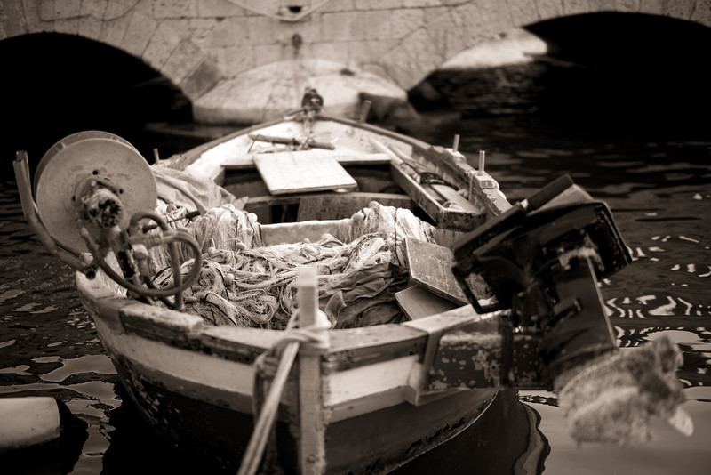 Fishing boat, Syracuse
