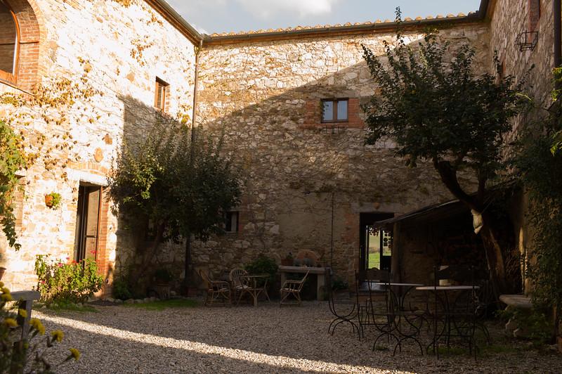 Il Rigo Courtyard 2