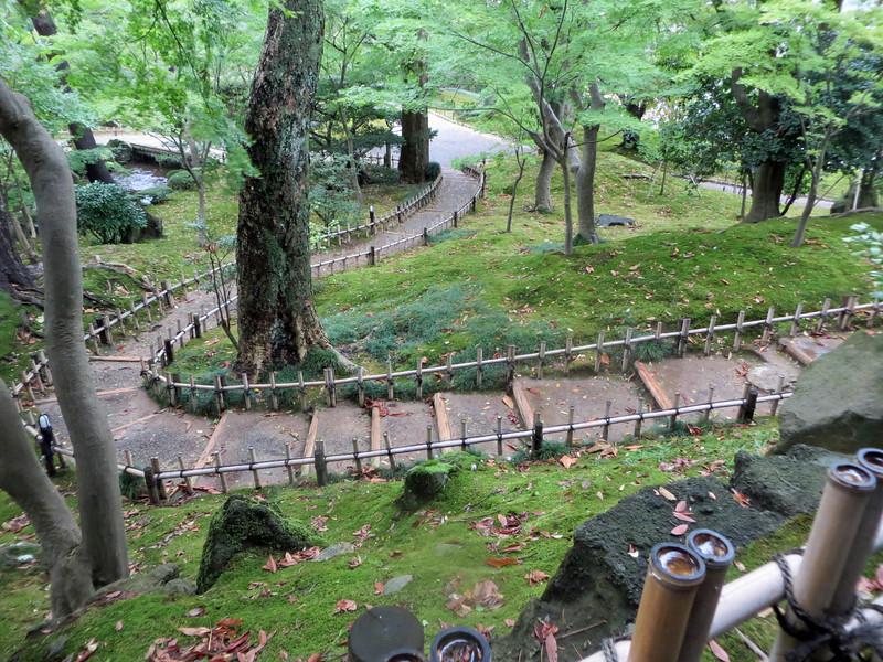 Kanazawa - Path in Kenrokuen Gardens