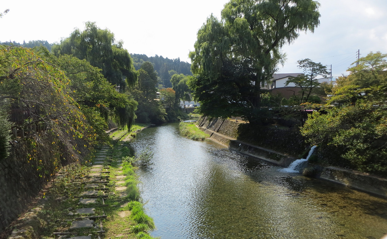 Enakogawa Canal - In the old district of Takayama