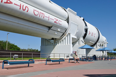 Patrick in front of the large Saturn rocket