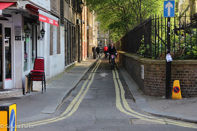 London, miscellaneous sights. Cycling lane