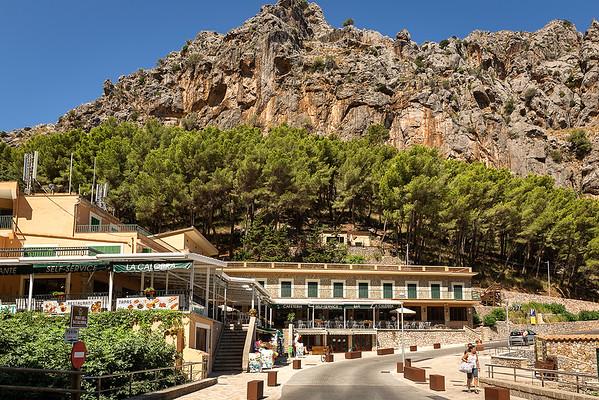 Back at La Calobra.....hotel and cafeteria