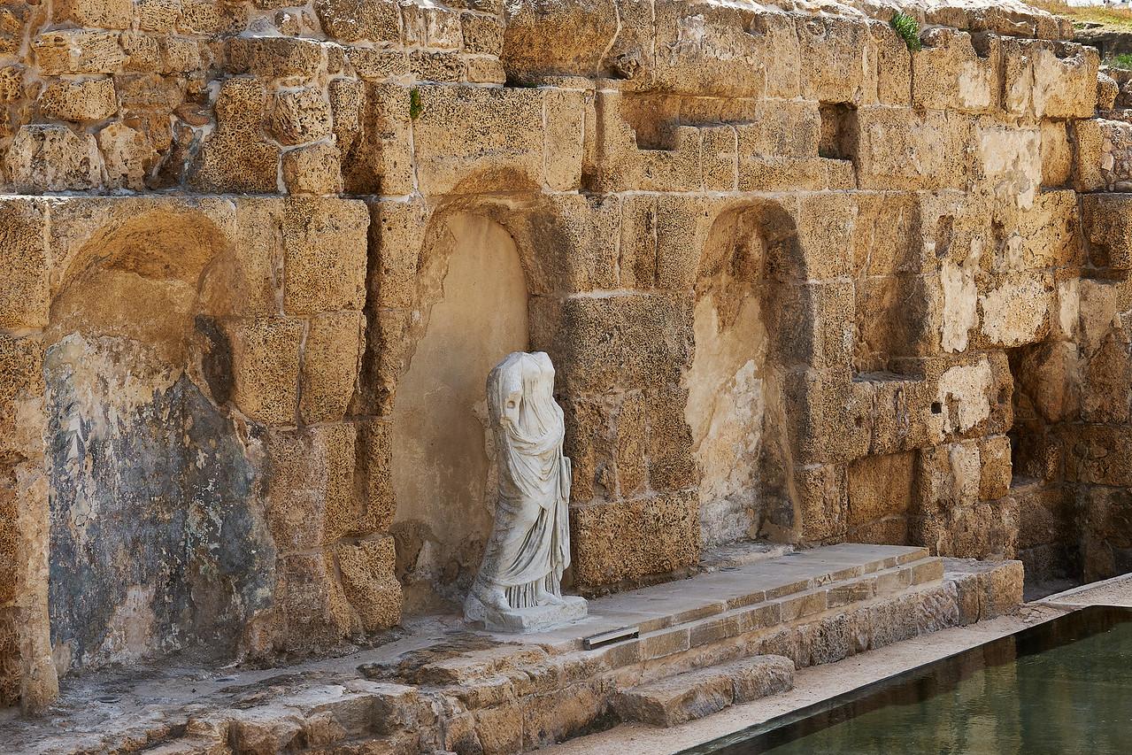 Statue and pool Caesaria