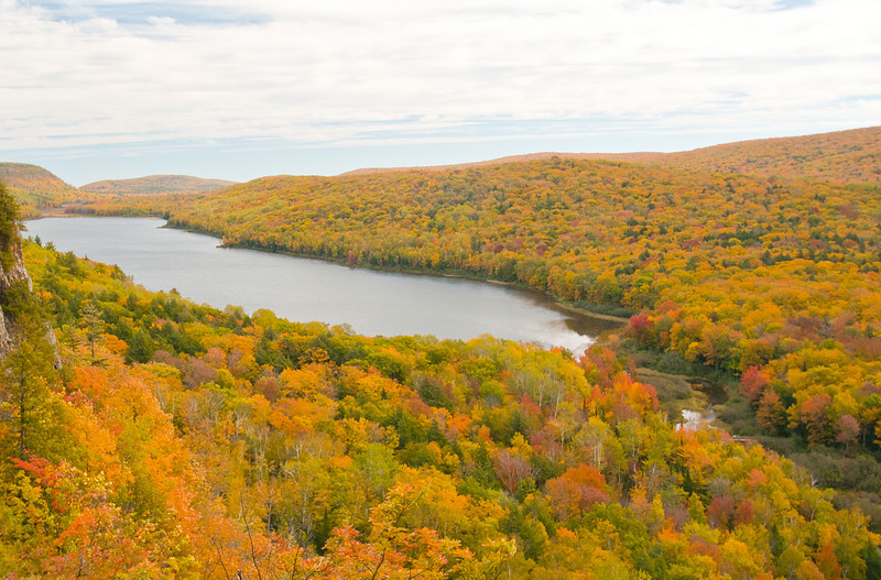 TRMI-10053: Lake of the Clouds from overlook