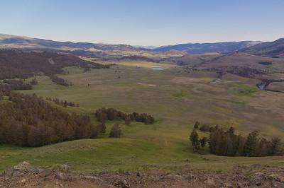 Lamar Valley from Specimen Ridge