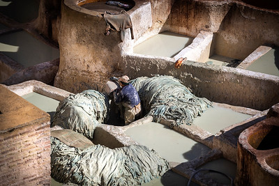 The sahrij, vessels containing water, used to soften the leather, the merke, where hides are next rinsed in clean water, and the qasriyya, vessels filled with animal oil and exrement, where the skins are made stronger