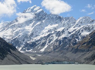 Mount Cook met het gletsjesmeer.
