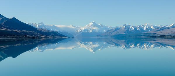 Lake Pukaki met de spiegeling van Mount Cook
