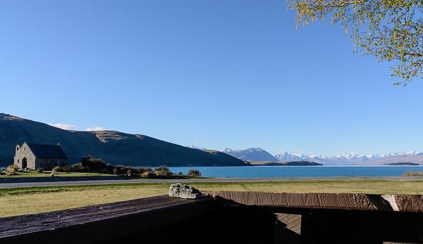 Uitzicht vanaf ons terras over Lake Tekapo.