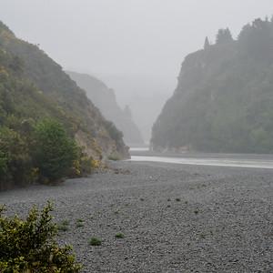 Miezerregen bij de Rakaia gorge (Jolanda)