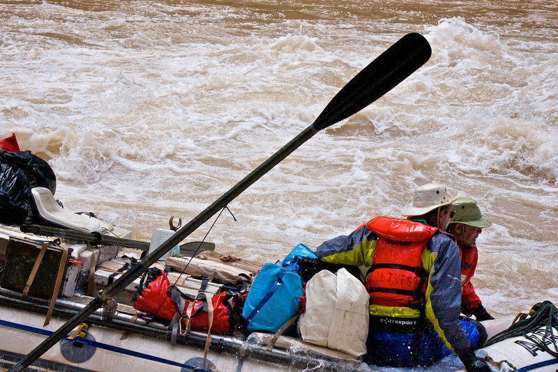 who's driving?<br /> The oar lock is at 90 degrees to the side