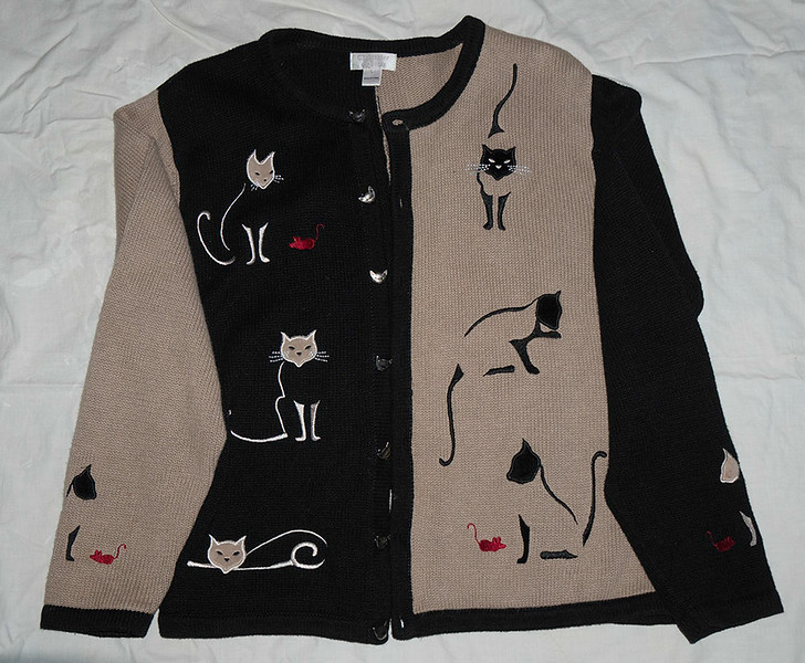 Very Cute Ramie & Cotton Sweater with cute cats and mice on front and back.  $10.00