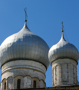 The first of probably too many onion dome shots in this gallery.