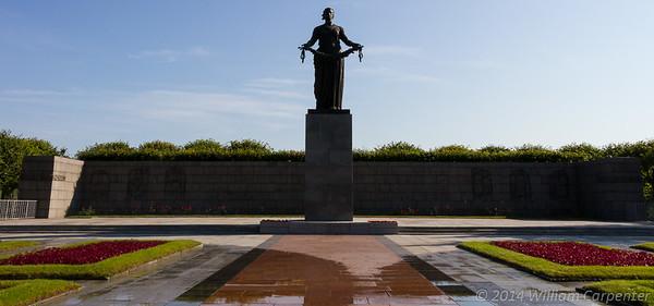 Peterhof and Piskaryovskoye Memorial Cemetery - 7/13