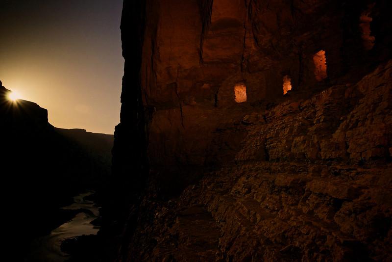 Nankoweap Puebloan graneries at moonrise