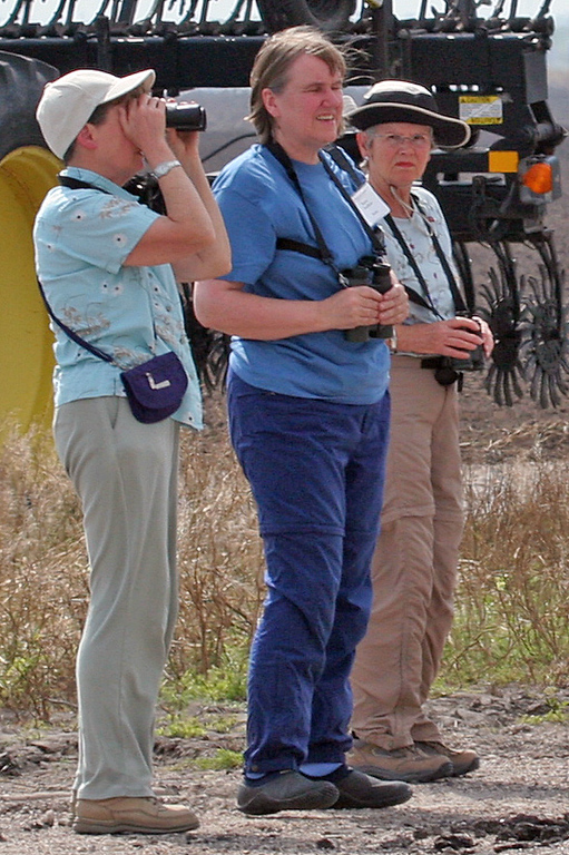 Rachel, Nancy and Carol waiting for the Burrowing Owl  -- never showed.