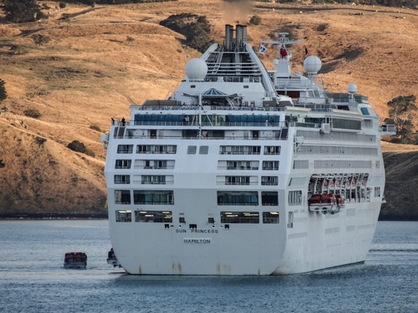 Sun Princess in Akaroa Harbour