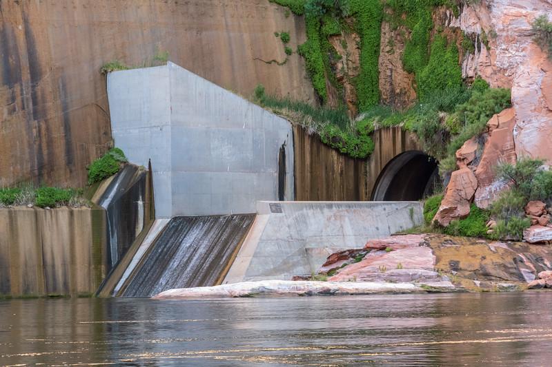 Glen canyon Dam Spillway