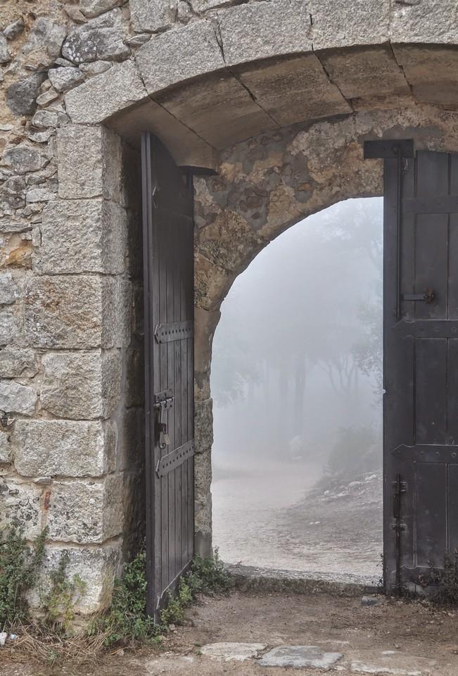 https://photos.smugmug.com/Travels/The-rest-of-Portugal-2014/i-Rp4nswP/0/2c7e120b/X2/portugal2014%252B266_7_8_fused-X2.jpg