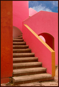 This image won 1st place for Elements of Design in the BetterPhoto.com Dec. 2006 contest. Also chosen as Picture of the day 02/20/07 BetterPhoto.com http://www.betterphoto.com/gallery/dynoGallDetail.asp?photoID=3130342