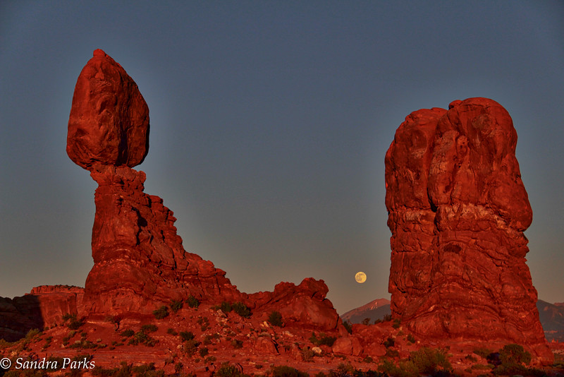 Full Moon, Balanced Rock