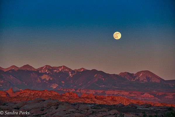 Full moon at Arches