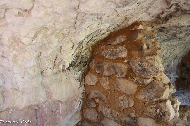 Cliff dweilling wall, Walnut Canyon