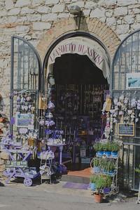 Lavender souvenir shop, Assisi