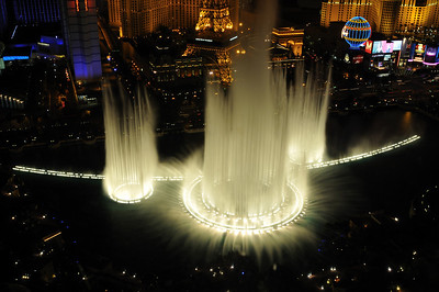 Bellagio fountains at night