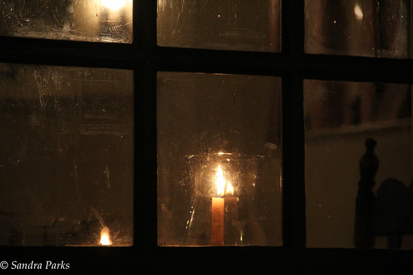 11-19-15: window,  Duke of Gloucester Street