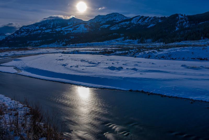 TRWY-12-38: Full moon on the Lamar River
