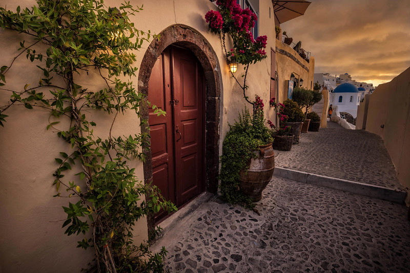 Oia Alley