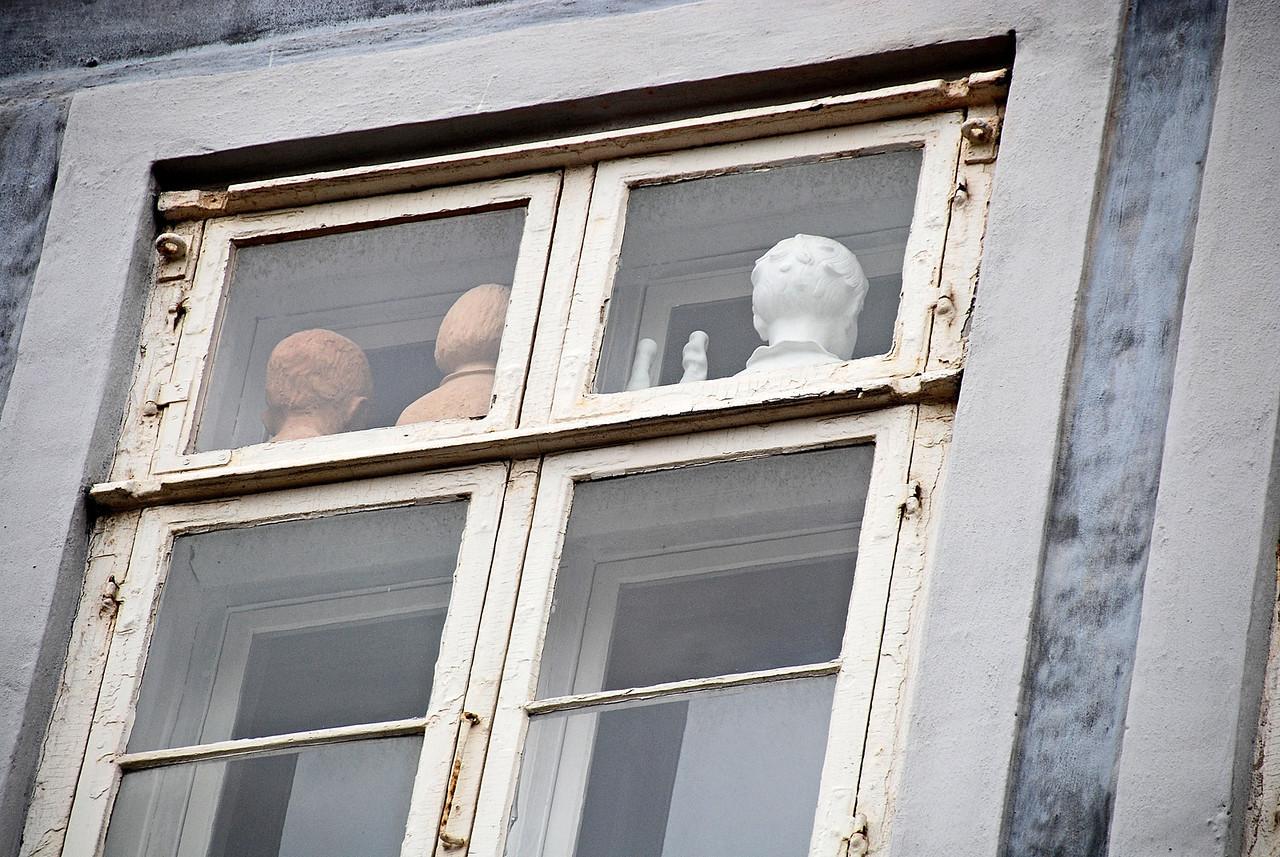 Heads in the Window