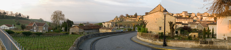 Panorama of early morning St. Emilion (2).